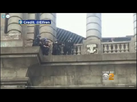 Man pulled to safety on manhattan bridge youtube