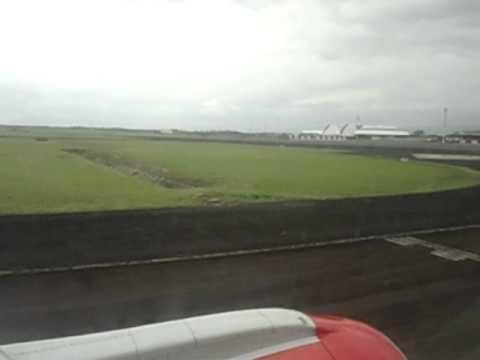 Kenya airways landing at BUJUMBURA International Airport .AVI
