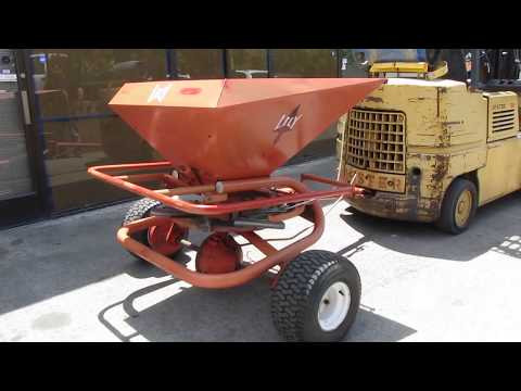 Lely WR Turf Spreader Seeder Feeder Towable Trailer 172 Kg / 379 Lbs Hopper
