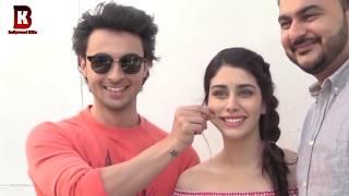 Aayush Sharma Embraced Warina Hussain In Front Of Salman's Sister Arpita Khan At Loveratri Promote