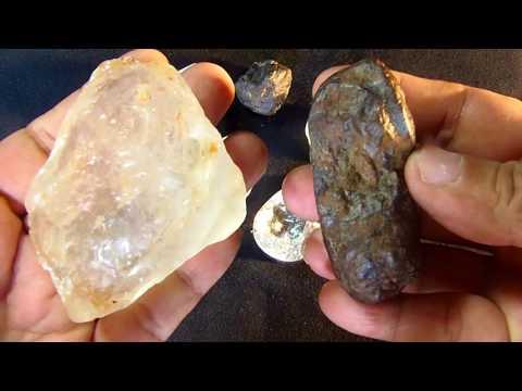P7170005 KIMBERLITE  AND DIAMOND.PARENTAL ROCK OF DIAMOND.