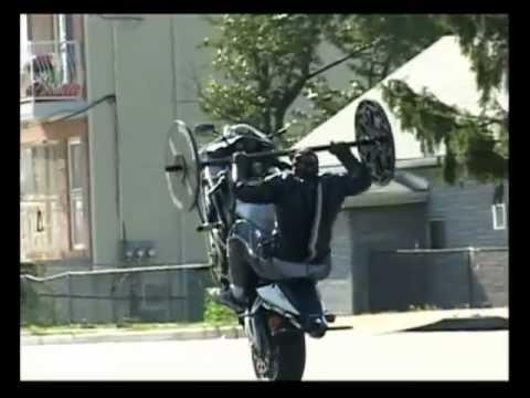 画像: Bench Press Wheelie CBR 954RR youtu.be
