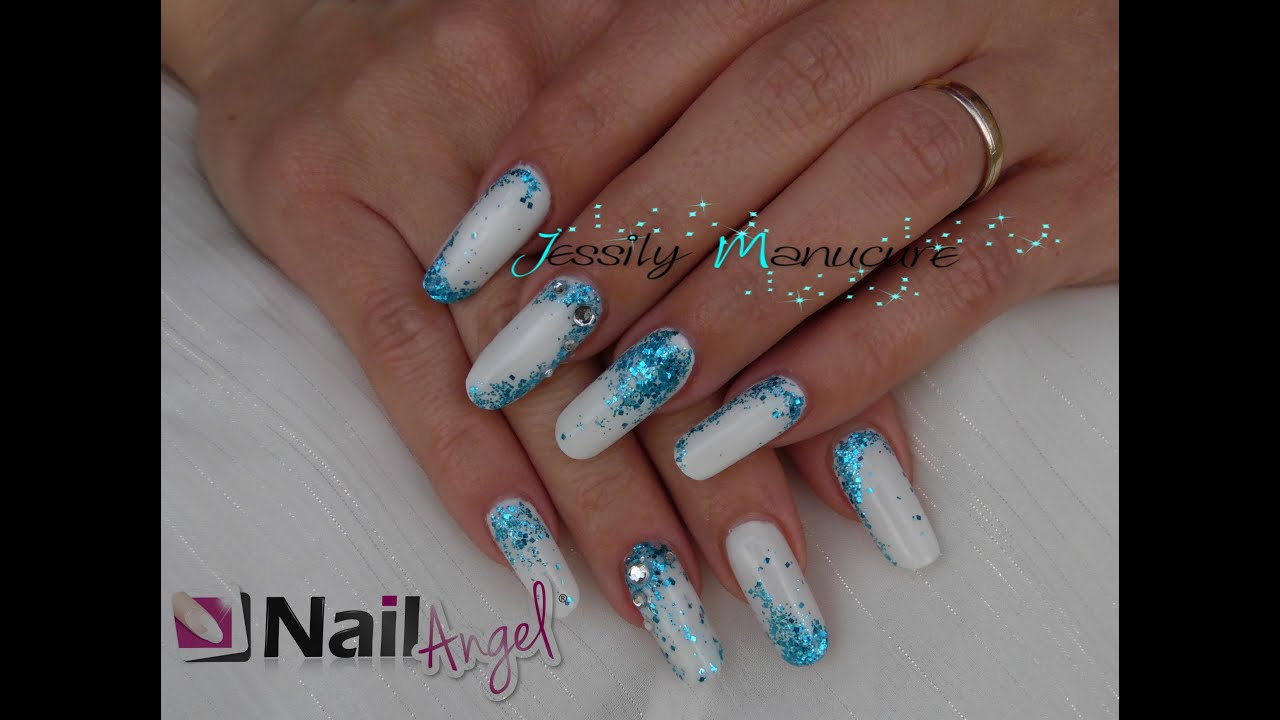 ongle en gel remplissage blanc et paillette bleue avec nailangel youtube. Black Bedroom Furniture Sets. Home Design Ideas