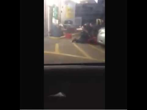 Graphic content: Baton Rouge police fatally shoot Alton Sterling outside convenience store
