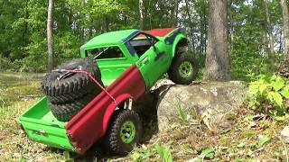 SCALE TOYOTA HILUX AND SCOUT ii RC OFFROADING