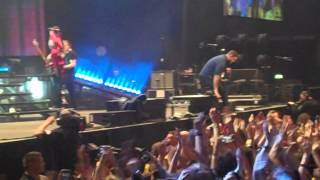 All Time Low - Dear Maria, Count Me In LIVE @ Manchester Phones 4 U Arena.