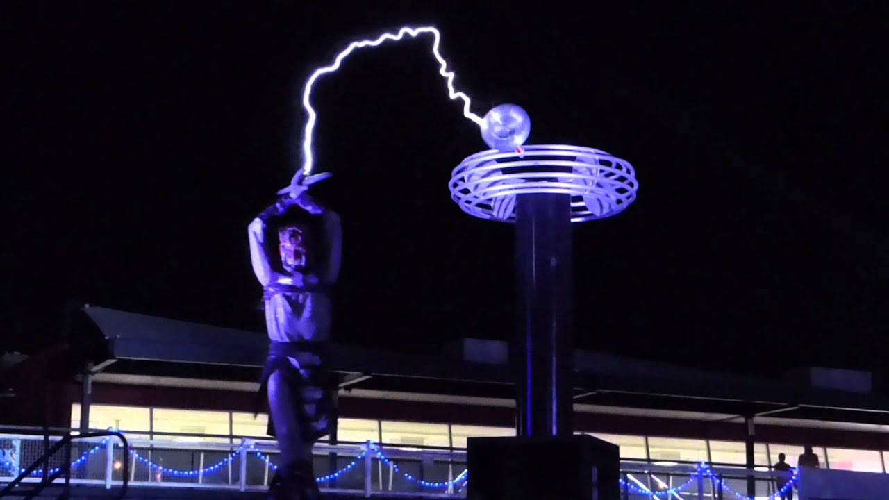tesla coil at edc 2015 youtube