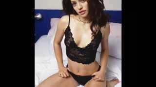 Canadian actress Emmanuelle Vaugier hot photo