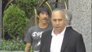 Anthony Kiedis Pelea con Guardaespaldas de Rolling Stones