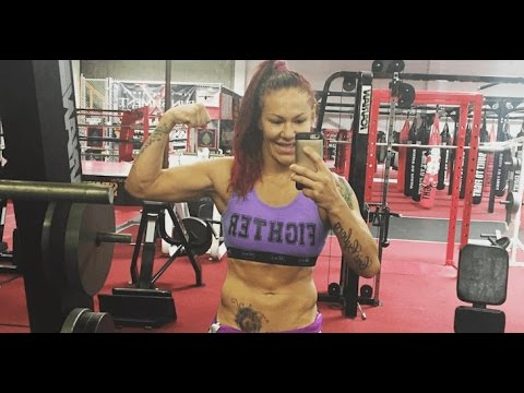UFC 198 workouts, Cris Cyborg spars with a...