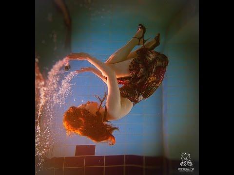 Порно в бикини Голые девушки в купальниках