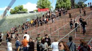 Depeche Mode 13.06.09 um 17:14 - Fans stürmen ins Münchener Olympiastadion