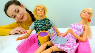 Барби готовит мороженое: сюрприз для Кена на 14 февраля