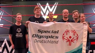 Special Olympics Germany athletes participate in fun workout challenge with Tryout candidates