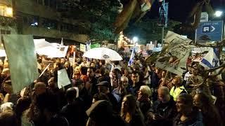 צועדים יוצאים מכיכר הבימה לקרית הממשלה - צעדת הבושה מחזור 6 - 06-01-2017