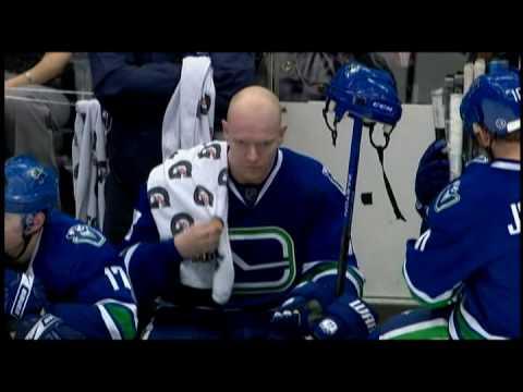 Mats Sundin Scores the Shootout Winner to Defeat The Maple Leafs