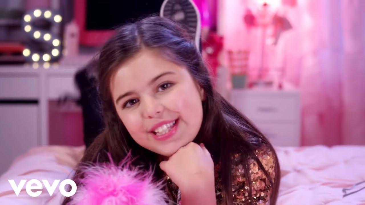 Sophia Grace ft. Silento - Girl In The Mirror (Official Video)