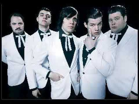 the hives - well alright! (the black and white album)