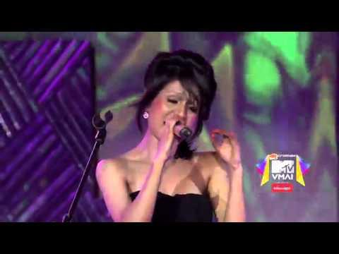 Madari by Vishal Dadlani  Clinton Cerejo   Sonu Kakkar at VMAI 2013 medium