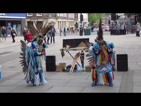 TATANKA Street musicians - Indian music (Celeste - Leo Rojas)