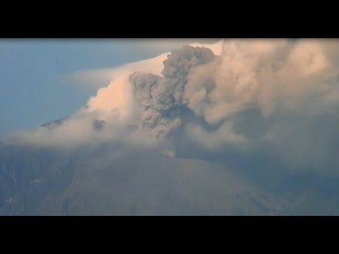 1/25/2015 -- Eruption in South Japan -- THREE HOURS LONG -- Sakurajima Volcano