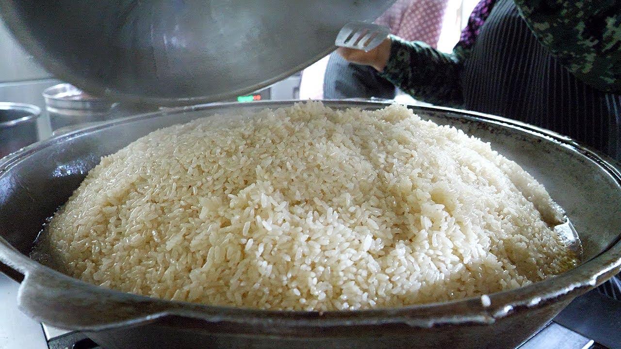 생쌀로 만드는 소고기찜 볶음밥, 육즙가득 화덕 고기빵 / steamed beef fried rice, juicy meat bread - korean street food