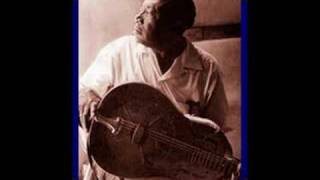 "Roots of Blues -- Bukka White ""Aberdeen Mississippi Blues"""