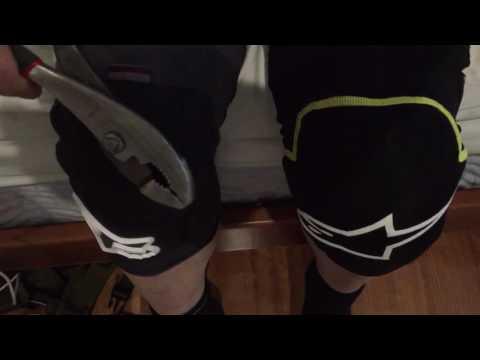 Fox Enduro vs Alpinestars Knee Pad