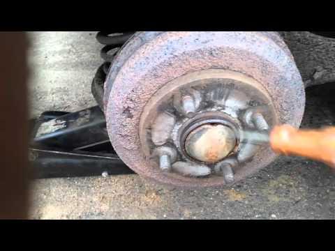 Замена задних колодок на Форд Фокус