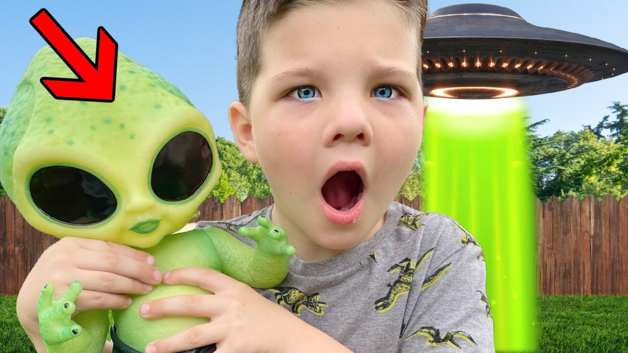 ALIEN BaBY in OUR YARD!! WHERE is the ALIENS MOM?! CALEB SEARCHES for UFO CRASH LANDING 👽
