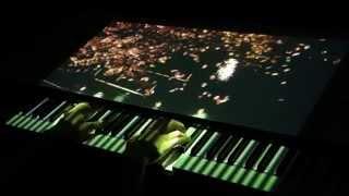 ピアノプロジェクションによる小品(3) 平均音量に連動して、花弁が増え...