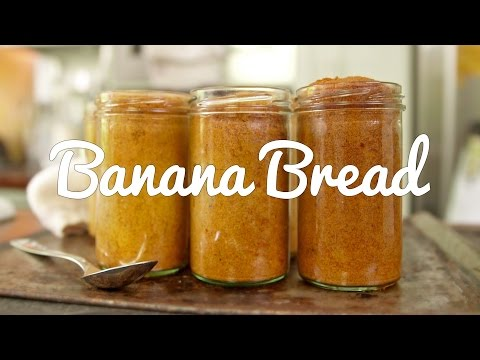 FOOD ON THE MOVE | Banana Bread Baked In A Jar!