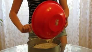 бисквитный торт с фруктовой начинкой(В данном видео я научу вас как готовить бисквитный торт с фруктовой начинкой., 2016-06-29T20:15:04.000Z)