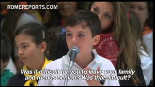 Pope meets with students, answers their questions