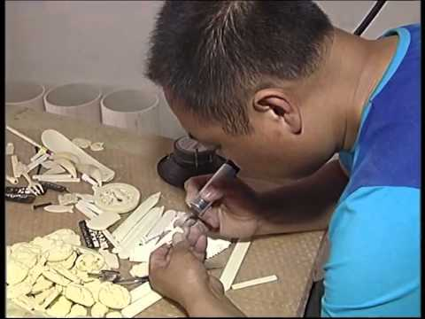 Craftsmen turn bones into beauty in N China