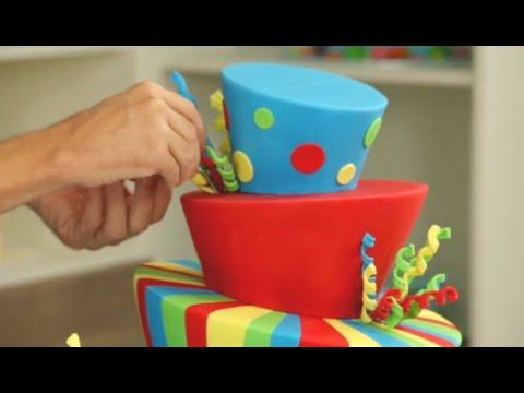 How does it stay up? Incredible Topsy Turvy Cake Timelapse - CAKE STYLE