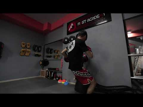 Kickboxing in the first academy 4