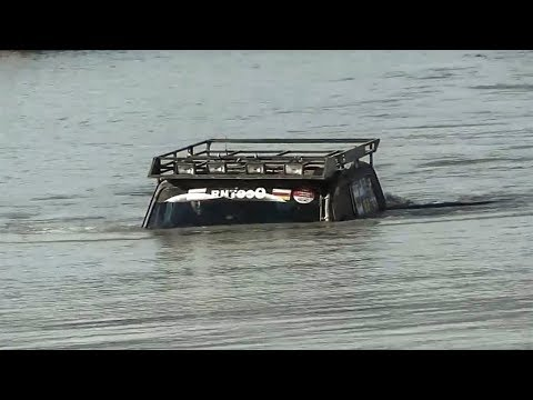 Cars Crossing Extreme Heavy River Flooding - Off Road Car Driving Skills