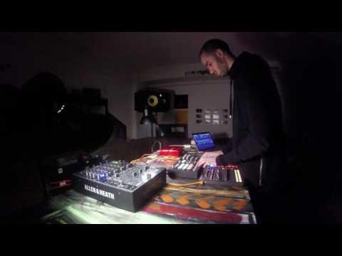 11TH / Zesknel [Live]
