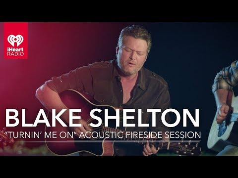 "Blake Shelton ""Turnin' Me On"" Acoustic Fire Side Session 