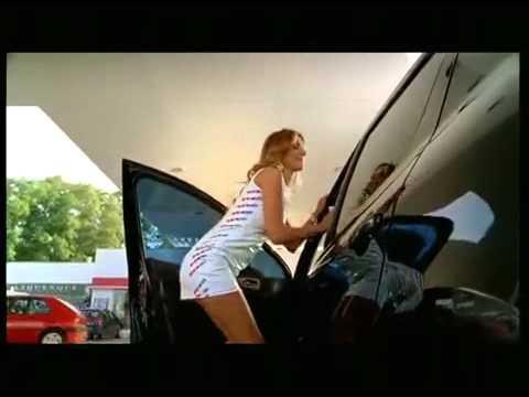 Сексуальная реклама автомойки Sexy girls in a carwash, funny commercial