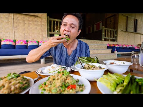Unforgettable Lunch in Northern Thailand!! 🎋 Aunty Cooks MOUNTAIN THAI FOOD in Chiang Rai!