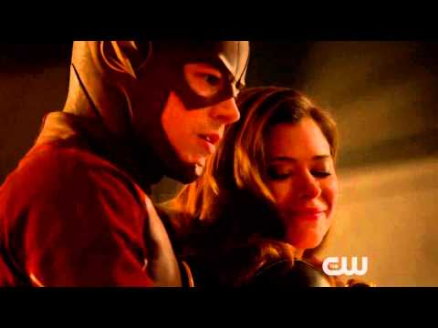 The Flash - Rogue Time - 1x16 - Featurette - HQ News