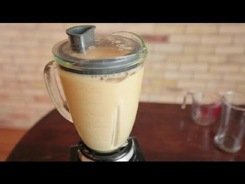 How To Make A Caramel Frappe In A Blender : Making Coffee