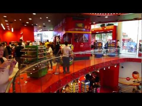 M&M's World in London, Leicester Square - full walk-through.