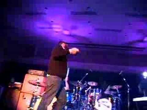 Emery (Live) - Walls
