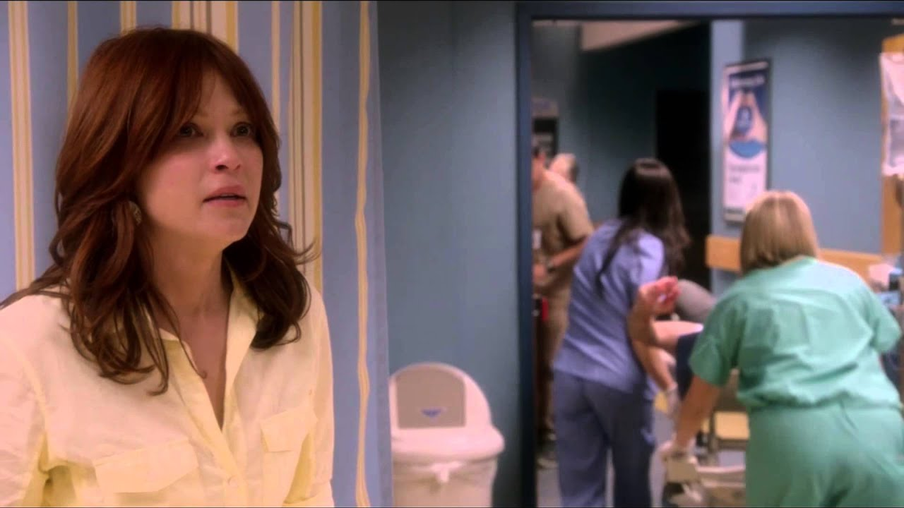 """Download Lindsey Nicole in green scrubs on The Glades """"Happy Trails"""" episode"""