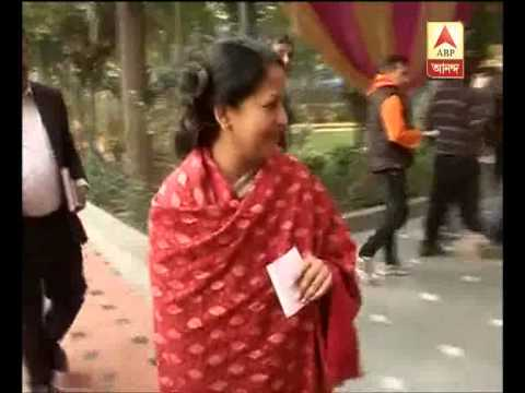 President Pranab Mukherjee's daughter sharmistha casts her vote