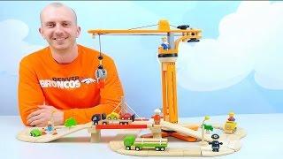 Подъёмный Кран и Грузовые Машины в деревянном городке Plan Toys - Игры с машинками для малышей(Сегодня в деревянном городке Plan Toys пополнение, здесь установили интересный башенный подъёмный кран, с кото..., 2016-04-10T08:11:02.000Z)