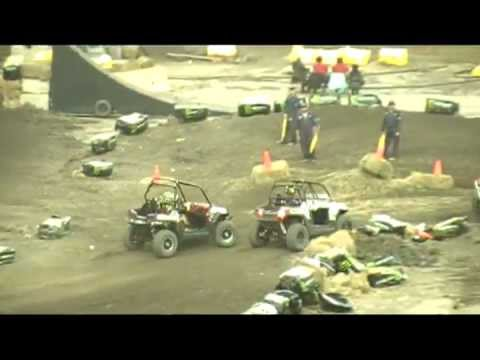 side by side race montreal supercross 2011 (rzr 800 s number 817) 3rd place